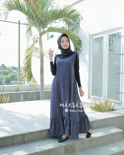 Overall motif garis sloopy navy